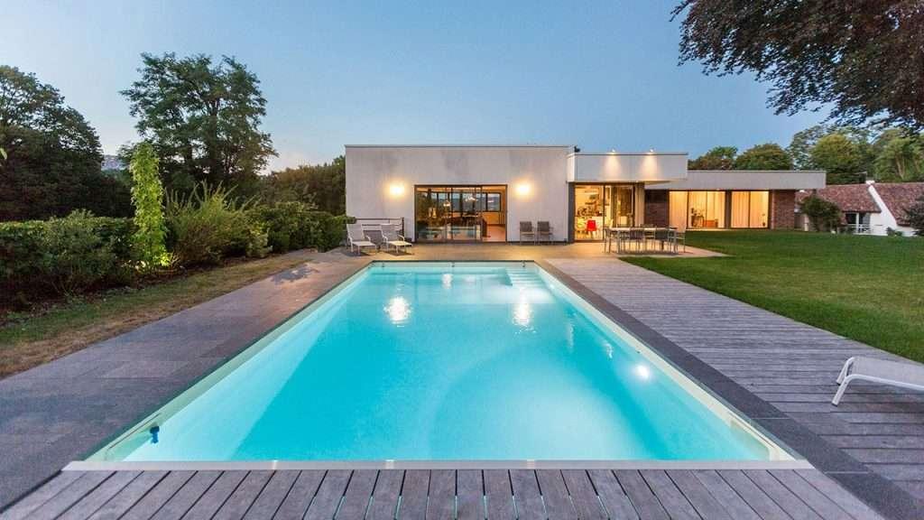 Construire une piscine , les conseils pratiques