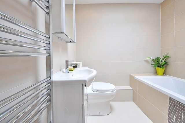 Aménager une salle de bain sous pente